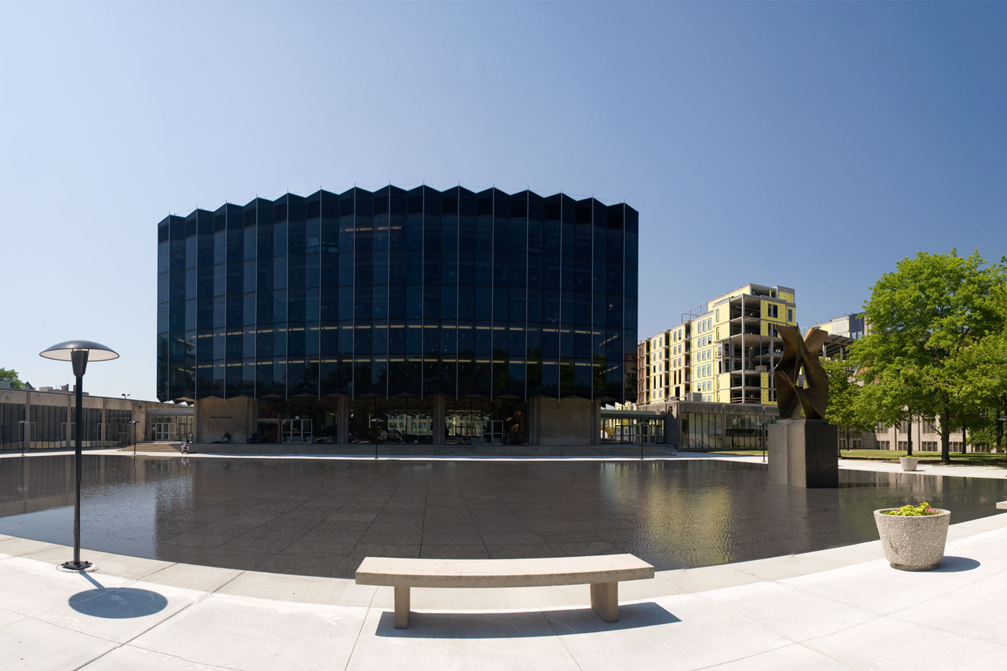 University of chicago law library reflecting pool - University of chicago swimming pool ...