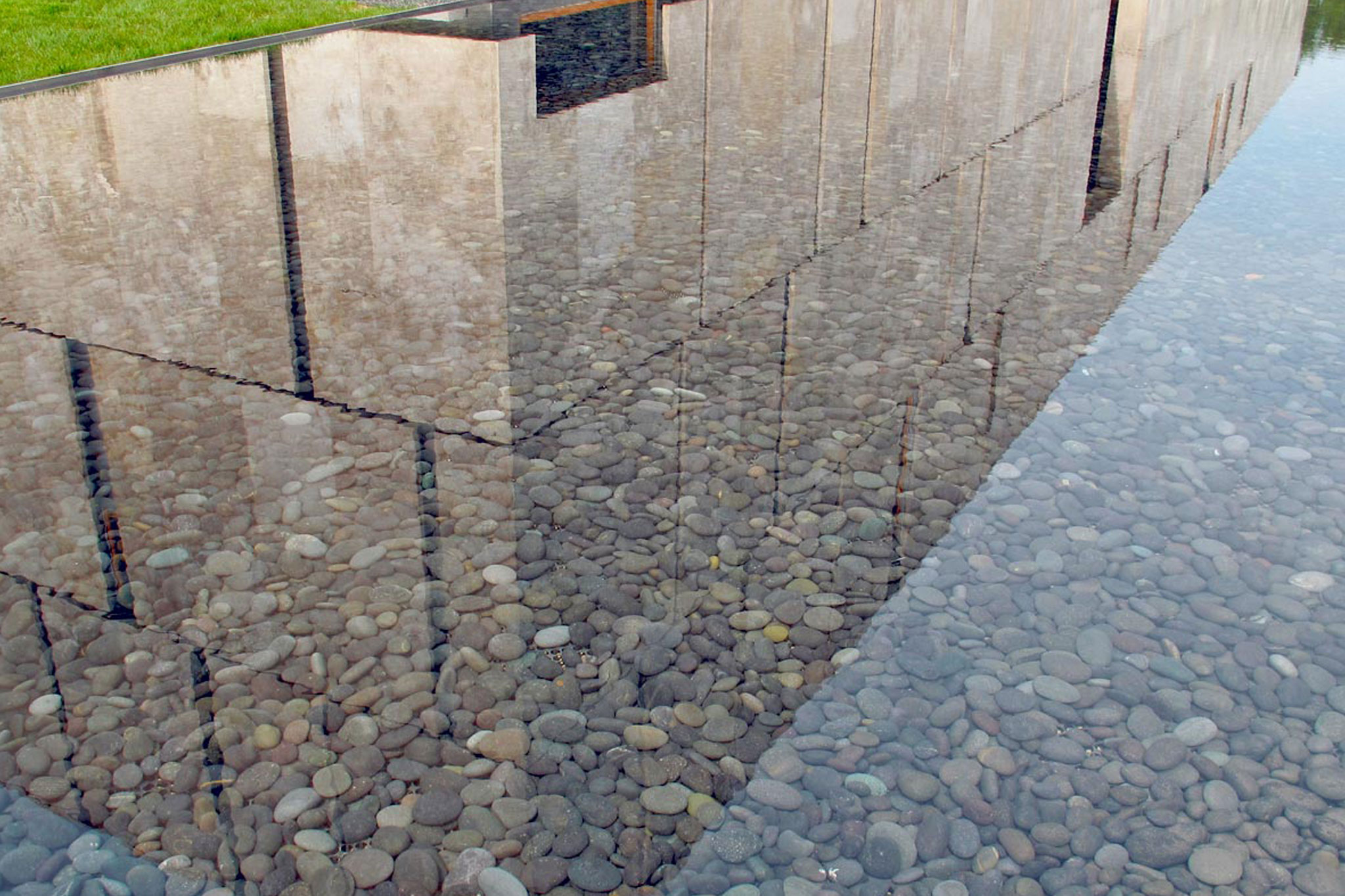 Barnes mueum reflecting pools delta fountains - Invisible edge pool ...