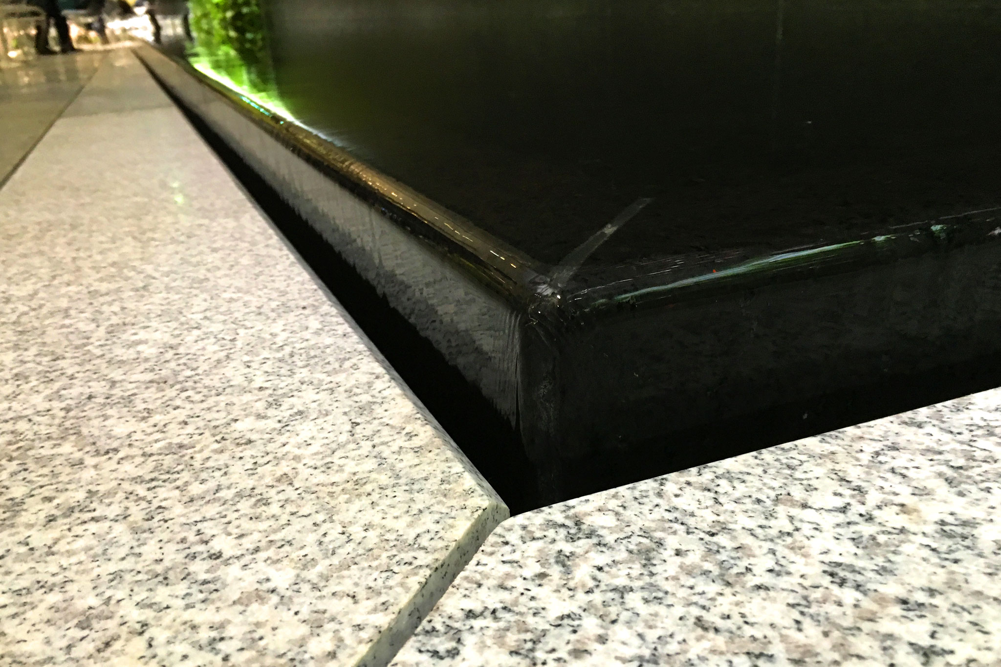 Park Avenue Plaza Indoor Granite Water Wall