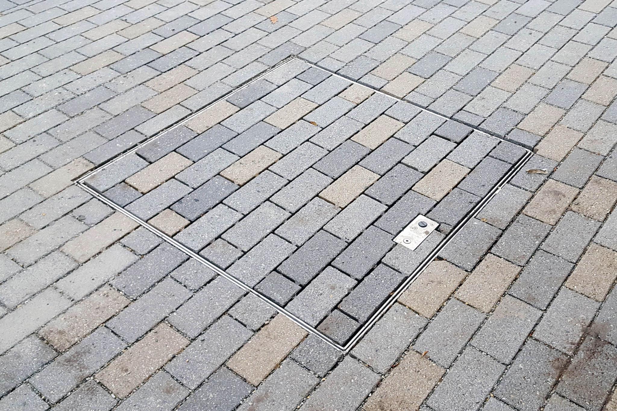 Tile Set Hatch in Brick